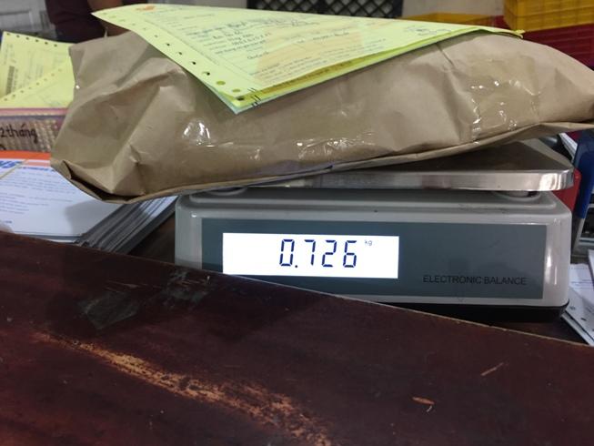 Tính tiền gửi hàng qua bưu điện